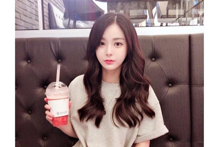 https: img.okezone.com content 2019 07 31 298 2085845 raup-rp1-4-miliar-dalam-4-bulan-gadis-korea-ini-malah-dituduh-lakukan-pencucian-uang-cG7jBhQ0Ao.jpg