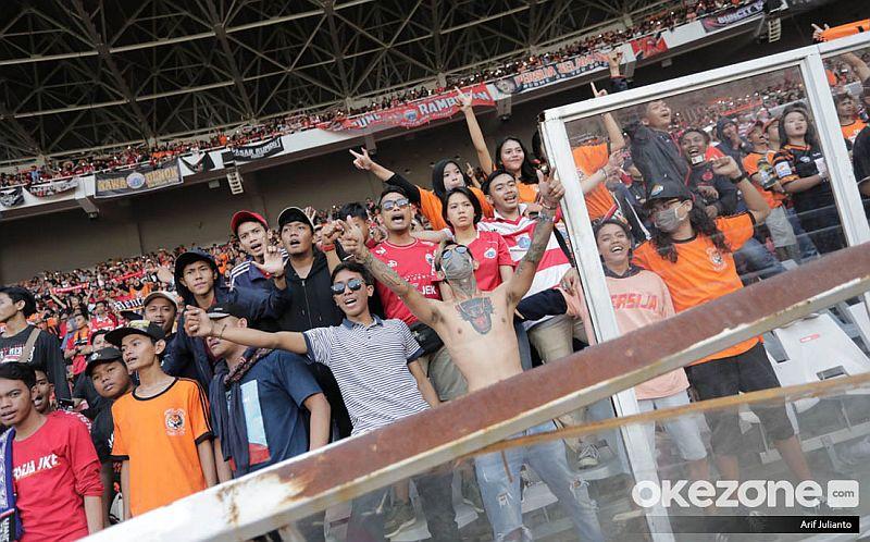 https: img.okezone.com content 2019 08 03 49 2087312 final-piala-indonesia-di-makassar-suporter-tidak-punya-tiket-diimbau-tak-ke-stadion-ISaxCtUDs8.jpg