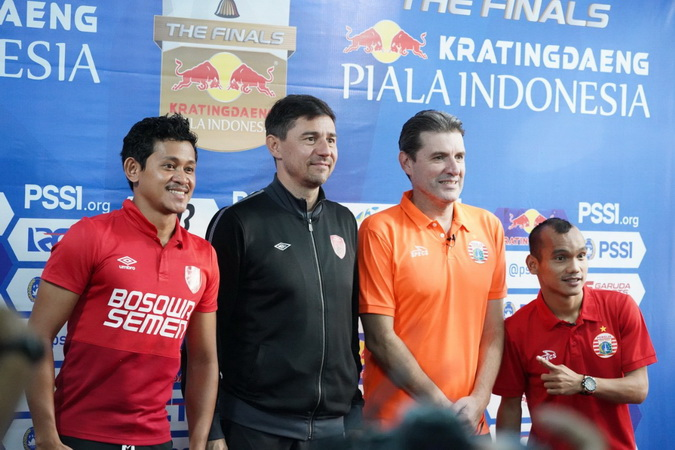 https: img.okezone.com content 2019 08 03 49 2087367 jelang-final-kratingdaeng-piala-indonesia-polisi-rekayasa-lalu-lintas-menuju-stadion-f03xHyfAv6.jpg