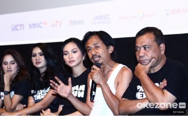 https: img.okezone.com content 2019 08 05 206 2088131 sukses-di-bioskop-film-preman-pensiun-siap-tayang-di-mnc-now-VjkeeXcngg.jpg