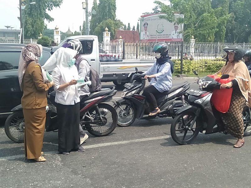 https: img.okezone.com content 2019 08 05 340 2088103 pekanbaru-berselimut-asap-1-136-warga-terserang-ispa-aG2ZOw1UOT.jpg
