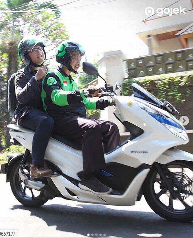 https: img.okezone.com content 2019 08 05 53 2087997 motor-listrik-kini-sudah-dipakai-pengendara-ojek-di-indonesia-nIjSutVS2z.jpg