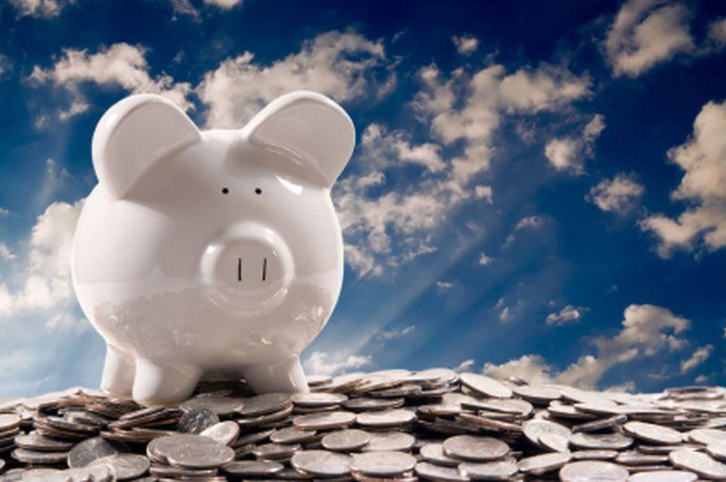 https: img.okezone.com content 2019 08 06 320 2088466 tips-gaji-ump-miliki-rumah-dan-tanpa-ganggu-rutinitas-nongkrong-di-cafe-DmbU3xvGm4.jpg