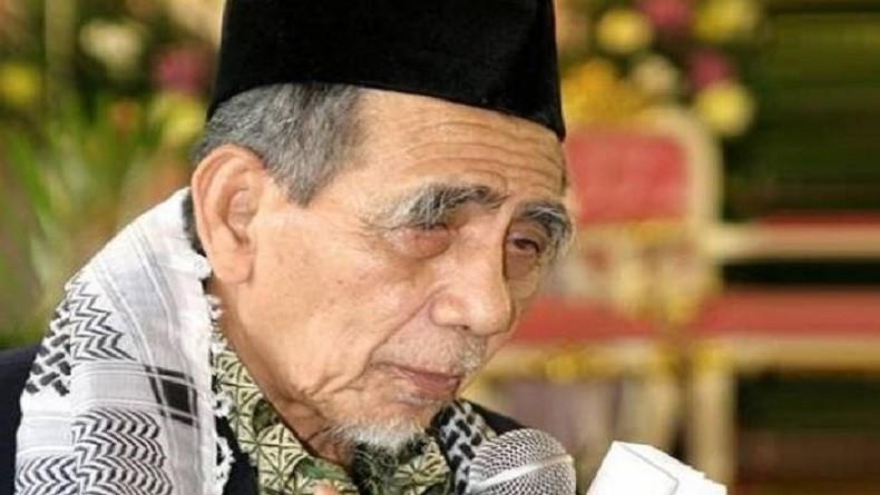 https: img.okezone.com content 2019 08 06 337 2088444 kenangan-megawati-mbah-moen-serukan-persatuan-indonesia-sebelum-wafat-WhGY9LPBLm.JPG
