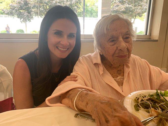 https: img.okezone.com content 2019 08 06 481 2088457 nenek-berusia-107-tahun-ini-bongkar-rahasia-panjang-umurnya-KwdrhoNLf7.jpg
