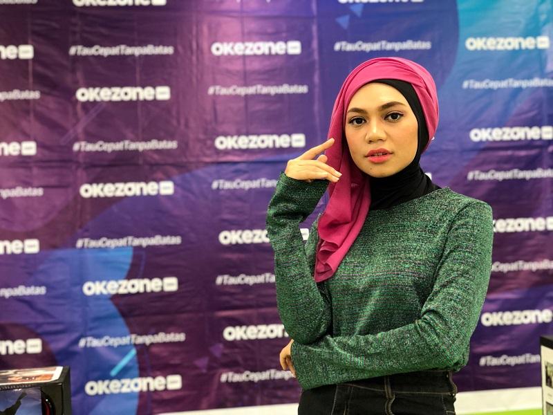 https: img.okezone.com content 2019 08 09 617 2089890 gaya-hijab-gelombang-cinta-ala-indah-nevertari-bikin-ukhti-makin-cantik-e1Ib8vkz5c.jpg