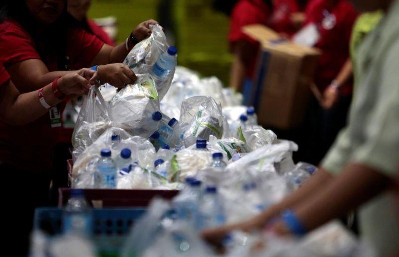 https: img.okezone.com content 2019 08 10 320 2090190 australia-akan-hentikan-ekspor-sampah-daur-ulang-gkw3MrLjd9.jpg