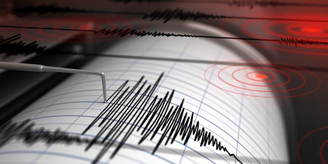 https: img.okezone.com content 2019 08 10 525 2090179 gempa-guncang-tasikmalaya-pusatnya-di-laut-zBlqK352jX.jpg
