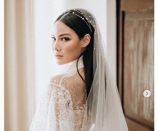 https: img.okezone.com content 2019 08 11 611 2090595 mua-vinna-gracia-makeup-sendiri-di-hari-pernikahan-ada-mantra-rahasia-yang-wajib-kamu-tahu-Q50ESb6rcv.jpeg