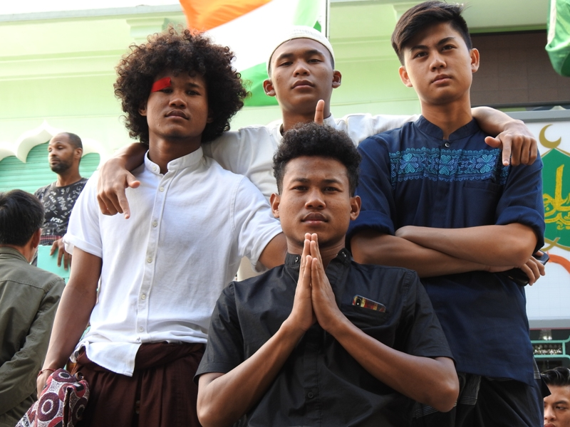 https: img.okezone.com content 2019 08 12 51 2090668 cerita-pemain-timnas-indonesia-u-18-jalani-idul-adha-di-negeri-orang-vs2ZZkWJOF.jpg