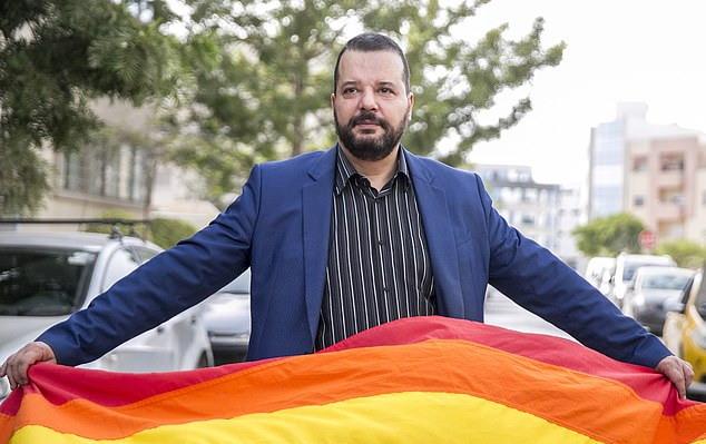 https: img.okezone.com content 2019 08 13 18 2091391 seorang-pengacara-gay-calonkan-diri-jadi-presiden-tunisia-P6x2TtXfnV.jpg