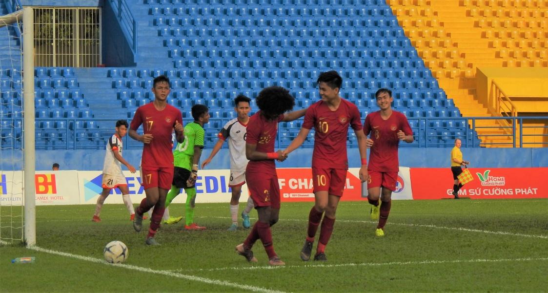 https: img.okezone.com content 2019 08 14 51 2091650 siapa-lawan-timnas-indonesia-u-18-di-semifinal-piala-aff-u-18-2019-malaysia-atau-vietnam-xZlPhp3ccF.jpg
