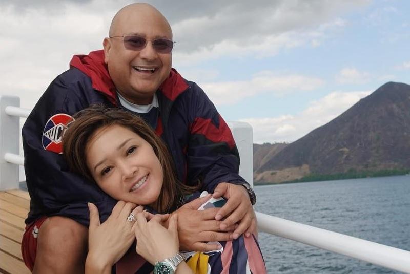 https: img.okezone.com content 2019 08 15 33 2092292 maia-estianty-unggah-foto-mantan-pacar-netizen-mukanya-humoris-rzb2VOmv8O.jpg