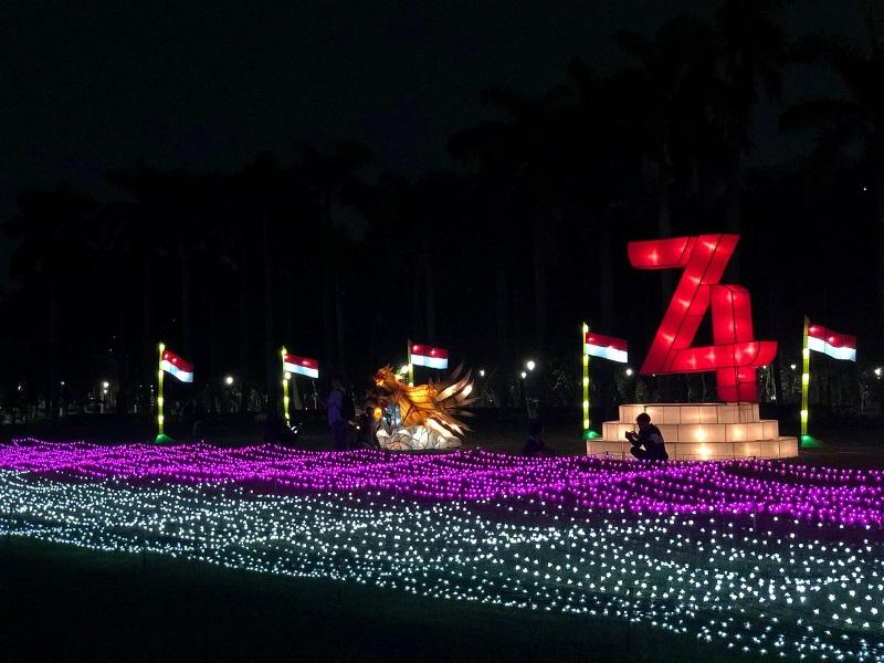 https: img.okezone.com content 2019 08 15 406 2092095 festival-of-light-2019-resmi-digelar-momen-langka-nikmati-keindahan-monas-di-malam-hari-sD38qsY5Qf.jpg