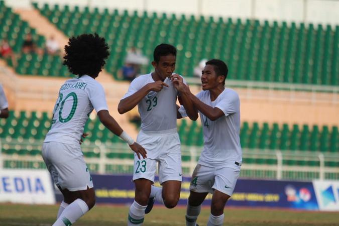 https: img.okezone.com content 2019 08 15 51 2092229 thailand-yang-terpuruk-kerap-beri-keuntungan-bagi-indonesia-juara-piala-aff-u-18-2019-rV9Gd4UNZO.jpg