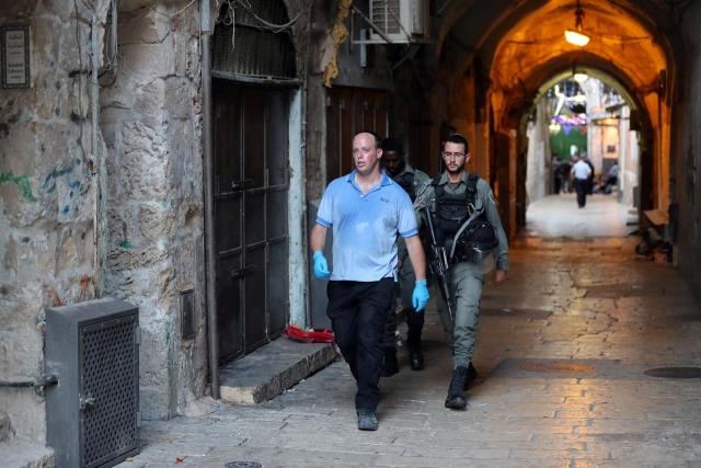 https: img.okezone.com content 2019 08 16 18 2092852 dua-pemuda-palestina-tusuk-polisi-israel-seorang-tewas-ditembak-pHUqM6tv2y.jpg