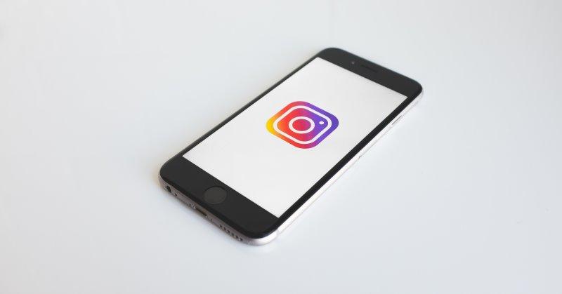 https: img.okezone.com content 2019 08 16 207 2092736 berantas-hoaks-instagram-bakal-hadirkan-fitur-tandai-posting-an-FnjeEx1BX4.jpg