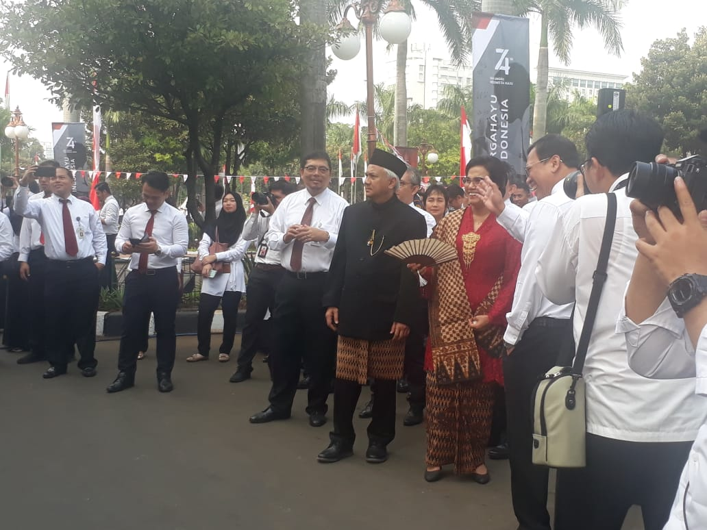 https: img.okezone.com content 2019 08 17 20 2093163 74-tahun-merdeka-sri-mulyani-sdm-jadi-tantangan-indonesia-K9mLlcMnOp.jpg