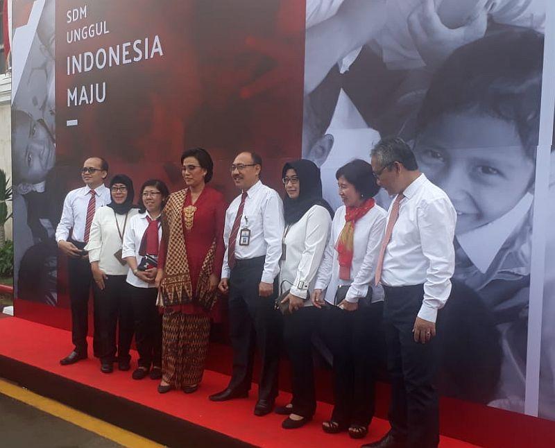https: img.okezone.com content 2019 08 17 320 2093142 merinding-sri-mulyani-ingatlah-detik-detik-kemerdekaan-indonesia-QIq4i3V2yg.jpg