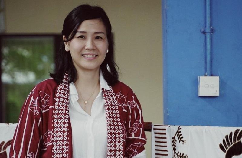 https: img.okezone.com content 2019 08 17 33 2093331 veronica-tan-bicara-pentingnya-peran-perempuan-dalam-membangun-bangsa-KOpgwsPZRP.jpg