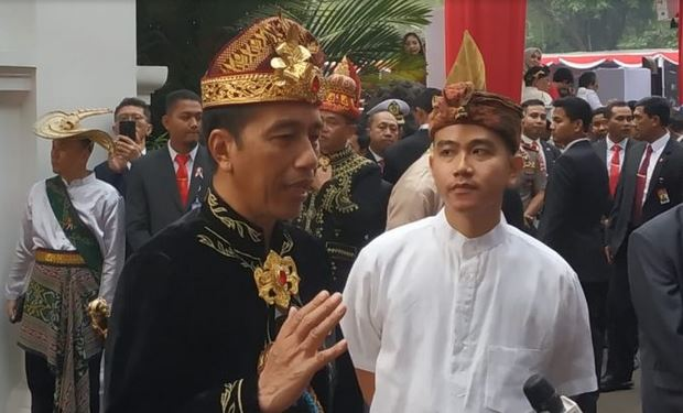 https: img.okezone.com content 2019 08 17 337 2093220 jokowi-ingin-sdm-indonesia-unggul-dari-gizi-hingga-karakter-Cnem8PryX1.JPG
