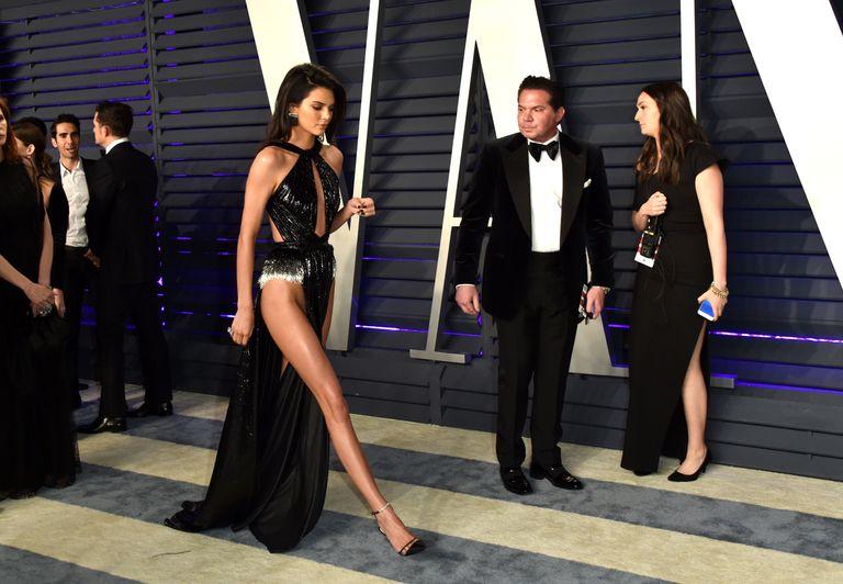 https: img.okezone.com content 2019 08 18 194 2093423 momen-memalukan-keluarga-kardashian-jenner-ada-yang-kepergok-tak-pakai-celana-dalam-bDMjj3bLqr.jpg