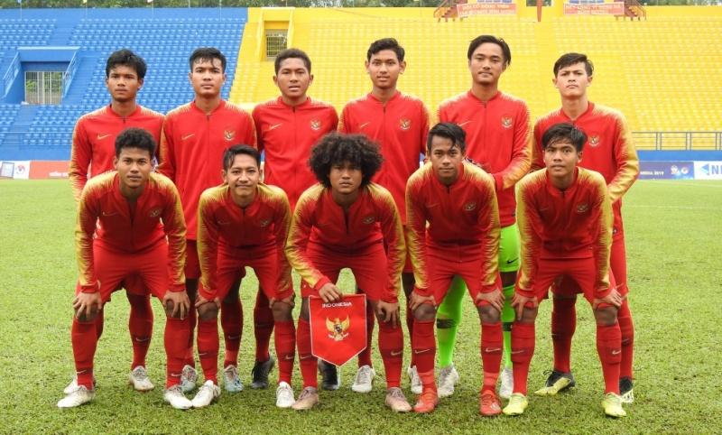 https: img.okezone.com content 2019 08 18 51 2093398 fakhri-pemain-timnas-indonesia-u-18-sudah-berjuang-untuk-tanah-air-fBZKJ1IM1K.jpg