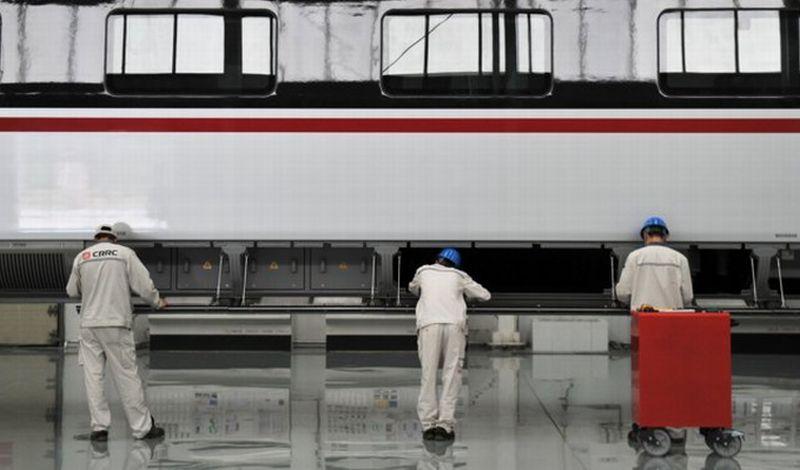 https: img.okezone.com content 2019 08 19 320 2093846 tahun-depan-indonesia-akan-miliki-pabrik-kereta-terbesar-di-asia-tenggara-XrS7PX232M.jpg
