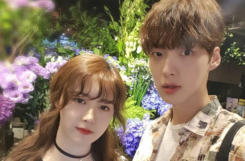https: img.okezone.com content 2019 08 19 33 2093669 bercerai-dengan-ahn-jae-hyun-goo-hye-sun-minta-agensi-tak-ikut-campur-LJHKKbnlqp.jpg