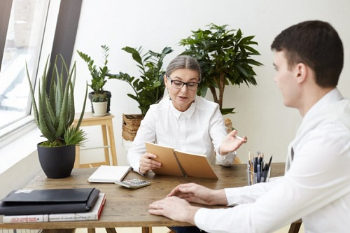 https: img.okezone.com content 2019 08 20 320 2094190 5-jawaban-pintar-saat-interview-agar-diterima-kerja-ABrAIPMzh1.jpg
