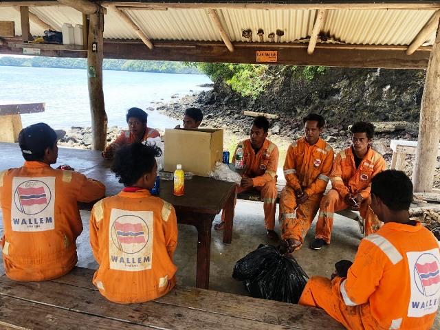 https: img.okezone.com content 2019 08 21 340 2094670 18-hari-hanyut-di-perairan-sulut-9-orang-abk-ditemukan-selamat-swnupz7ZBY.jpg