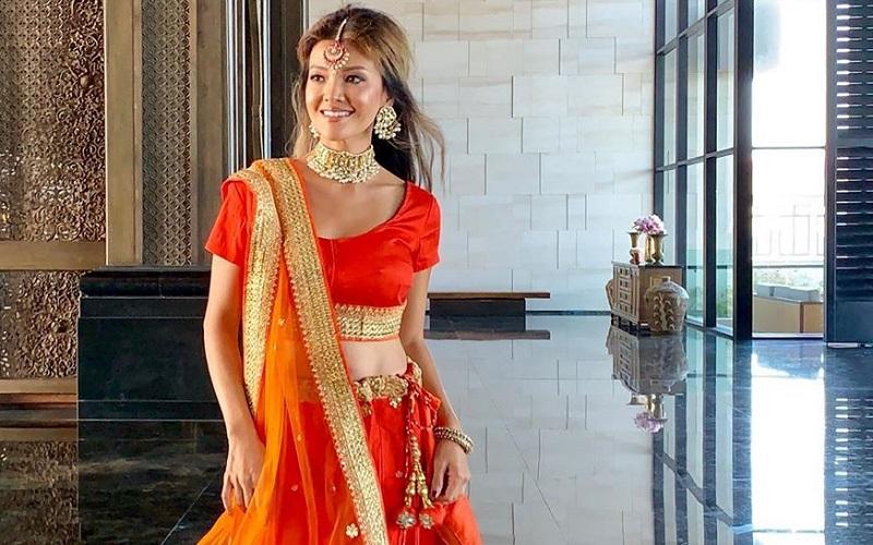 https: img.okezone.com content 2019 08 22 194 2095040 pesona-farah-quinn-berbusana-sari-cantik-bak-boneka-india-83BH0raTF9.jpg