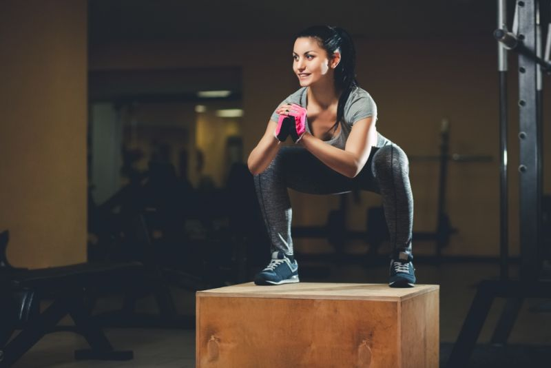 https: img.okezone.com content 2019 08 22 481 2095373 lakukan-challenge-squats-1-000-kali-ginjal-anak-ini-rusak-gyQERcFNIp.jpg