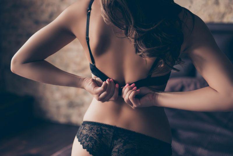 https: img.okezone.com content 2019 08 22 485 2095470 sensasi-seks-berdiri-bisa-menjadi-gaya-favorit-cyYsHyJv7L.jpg