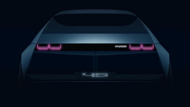 https: img.okezone.com content 2019 08 22 52 2095489 unggah-cuplikan-desain-futuristik-hyundai-umumkan-mobil-konsep-terbaru-CCyvAEzlQd.jpg