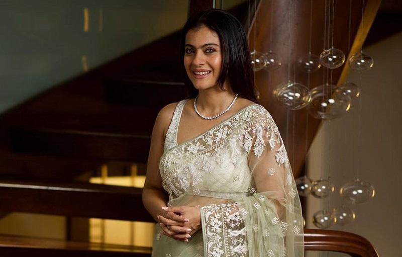 https: img.okezone.com content 2019 08 23 194 2095731 pesona-kecantikan-kajol-saat-mengenakan-busana-sari-Fg2bA3RQLH.jpg