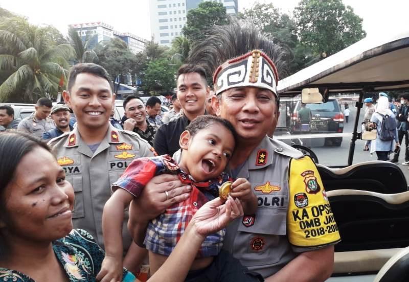 https: img.okezone.com content 2019 08 23 338 2095820 harapan-kapolda-metro-kepada-warga-papua-yang-tinggal-di-jakarta-pD5u2z0QmH.jpg