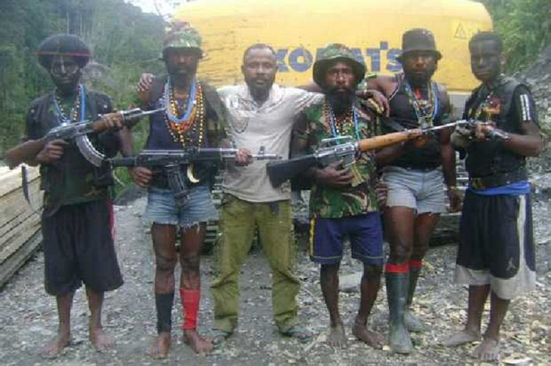 https: img.okezone.com content 2019 08 23 340 2095708 kkb-pimpinan-egianus-kogoya-turun-gunung-manfaatkan-situasi-di-papua-0FBHKhX1OF.jpg