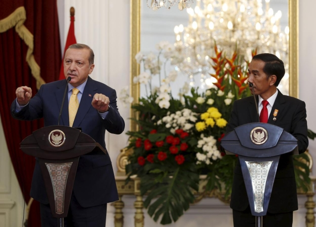 https: img.okezone.com content 2019 08 24 18 2096199 presiden-erdogan-panggil-jokowi-brother-widodo-Lg44genR2I.jpg