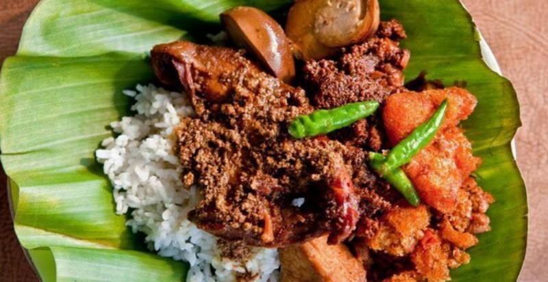 https: img.okezone.com content 2019 08 24 298 2096219 5-tempat-kuliner-khas-jawa-timur-di-jakarta-rasanya-wenak-tenan-fID9gK1Aiu.jpg