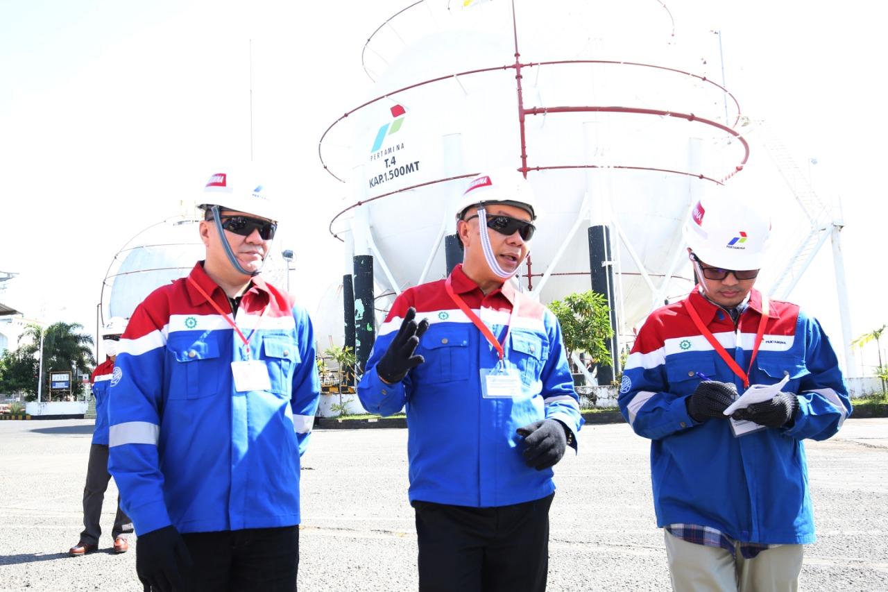 https: img.okezone.com content 2019 08 24 320 2096081 upaya-pertamina-tahan-laju-penurunan-produksi-di-8-blok-minyak-s197DbAPhV.jpg