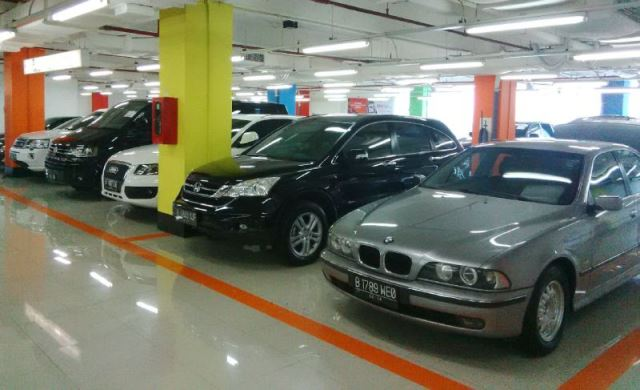 https: img.okezone.com content 2019 08 24 52 2096224 tertarik-sedan-bekas-keluaran-eropa-segini-perkiraan-rentang-harganya-LeCO8sQWr7.jpg