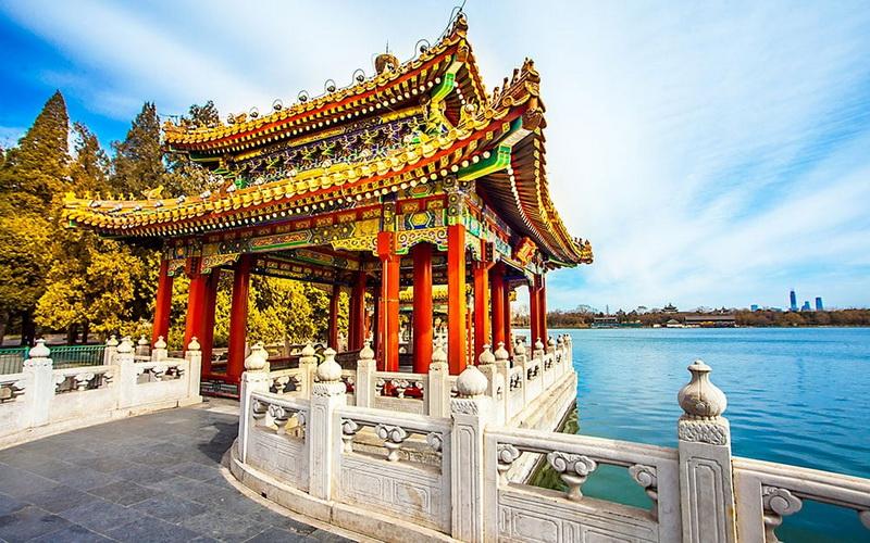 https: img.okezone.com content 2019 08 25 406 2096499 7-oleh-oleh-khas-china-ini-wajib-dibeli-dari-negara-asalnya-LtdjlLC466.jpg