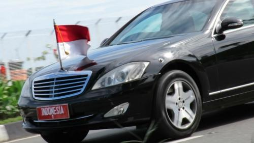 https: img.okezone.com content 2019 08 25 52 2096295 mobil-bekas-presiden-jokowi-ditaksir-rp200-jutaan-9libFV9XtY.jpg
