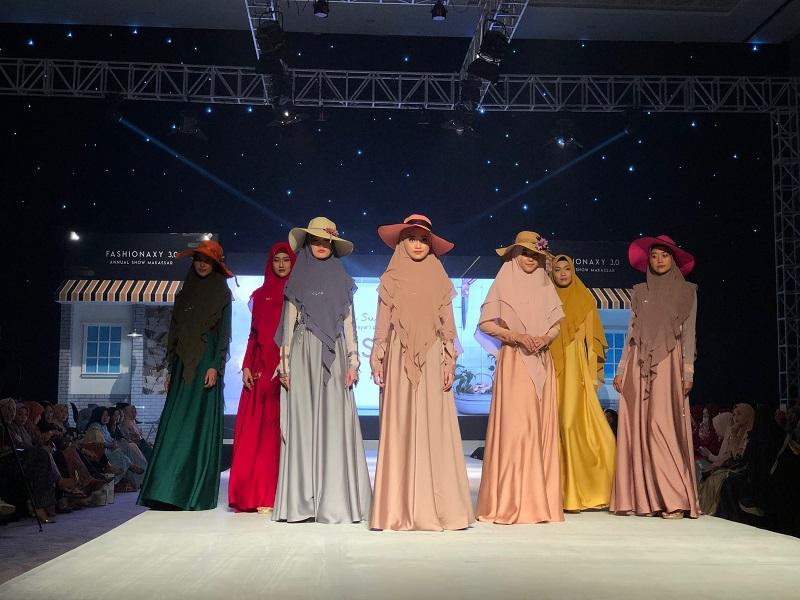 https: img.okezone.com content 2019 08 26 194 2096717 produk-fashion-luxury-semakin-diminati-di-makassar-p5pN0wsgTu.jpeg