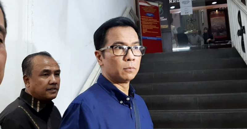 https: img.okezone.com content 2019 08 26 33 2096665 krisna-mukti-diperiksa-sebagai-saksi-di-kasus-wanprestasi-baim-wong-0MT4O9iS47.jpg
