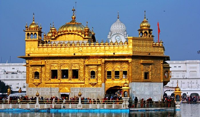 https: img.okezone.com content 2019 08 26 406 2096879 mengintip-keindahan-golden-temple-di-india-turis-bisa-dapat-makanan-gratis-4SC0GjPEOm.jpg
