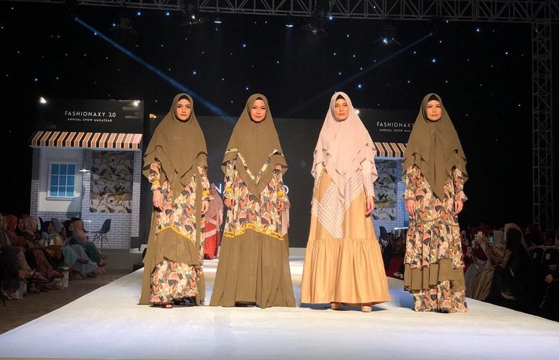 Lina Sukijo Pamerkan Koleksi Syari Premium Bertajuk The Newspaper di  Makassar : Okezone Muslim