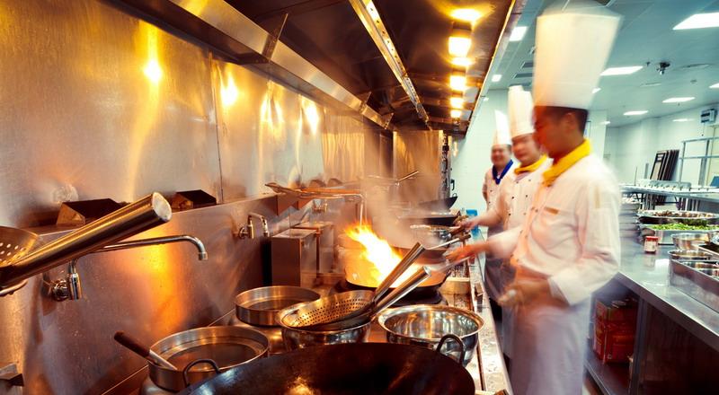 https: img.okezone.com content 2019 08 27 298 2097076 kenapa-ya-restoran-dan-hotel-lebih-banyak-koki-pria-chef-gerry-punya-jawabannya-Jb6o4DyAj3.jpg