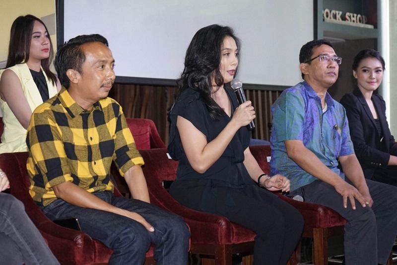 https: img.okezone.com content 2019 08 27 598 2097179 artis-korea-bakal-ramaikan-indonesian-television-awards-2019-siapa-iwa2vFrQ52.jpeg